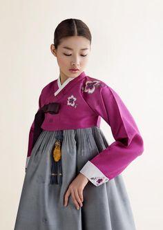 traditional Korean dress by Sukhyun Hanbok