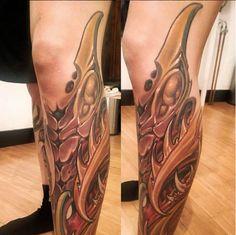 Yallzee's Perfectly Placed Tattoo by Adrian Dominic. Leg Tattoos, Body Art Tattoos, Nice Legs, Tattoo Art, Ink, Beautiful Legs, India Ink, Tattoo Patterns