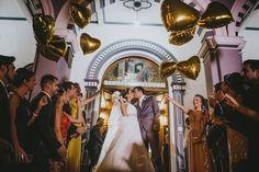 Balões metalizados para casamento - Foto Luz do Sagrado