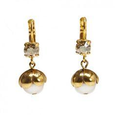 Das beliebte Label Rio Berlin hat mit diesen vergoldeten Ohrhängern mit Swarovskistein eine tolle Ergänzung zu deinen romantischen Styles entworfen. Jetzt versandkostenfrei bei melovely.de
