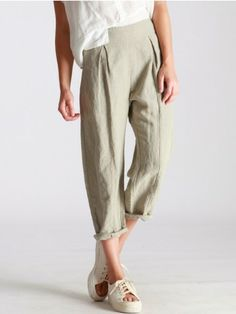 SEMI-SHORT PLEATED TROUSERS MADE OF TENCEL-LINEN - JACKETS, JUMPSUITS, DRESSES, TROUSERS, SKIRTS, JERSEY, KNITWEAR, ACCESORIES - Woman -