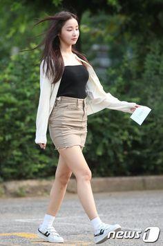 Kpop Fashion, Korean Fashion, Girl Fashion, J Pop, Kpop Outfits, Sexy Skirt, Beautiful Asian Girls, Ulzzang Girl, Korean Girl Groups