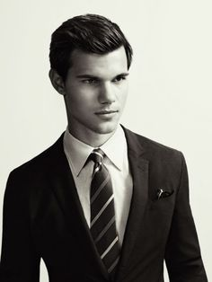 Taylor Lautner in a good-lookin' suit.