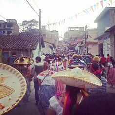Recorrido tradicional en honor a la virgen de Candelaria 2015 los dias 1, 2 y 3 de febrero,  San Fernando Chiapas    Traditional route in honor of the Virgin of Candelaria 2015 days 1, 2 and 3 February San Fernando, chiapas