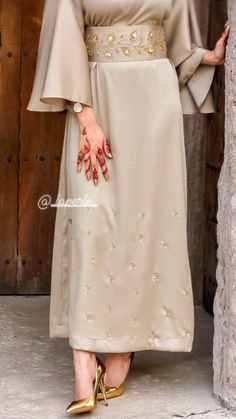 Hijab Fashion Summer, Korean Fashion Dress, Arab Fashion, Muslim Fashion, Fashion Dresses, Stylish Dresses For Girls, Indian Designer Outfits, Modest Outfits, Clothes