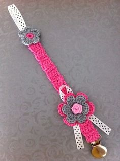 Crochet Flower Pacifier Clip-LOVE this!  Can't wait for @Lauren Davison Davison Pulliam to make one for Josey!