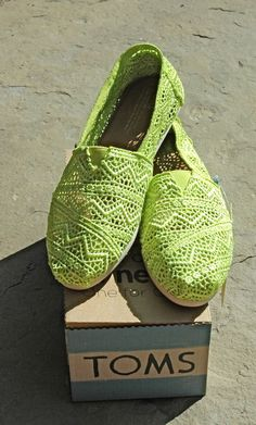 TOMS Women's Classics Neon Lime Green Crochet Sz 7 $59.95-NIB #TOMS #LoafersMoccasins