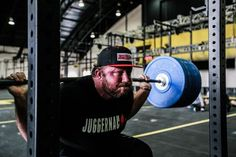 5 Tips for Building a Big Raw Squat - Juggernaut Training Systems - Juggernaut Training Systems Powerlifting Meets, Pumping Iron, Squat Workout, Workout Guide, Calisthenics, Gym Time, Excercise, Strength Training, Weight Lifting
