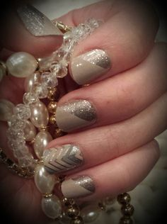 Jamberry Mixed Mani: Champagne Toast and Sugar&Spice. Buy it here:  http://declutteredmama.jamberry.com