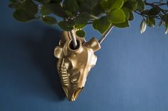 Dear o' Deer is an indoor/outdoor planter that works on the juxtaposition of the dead and the living. www.re-culture.com