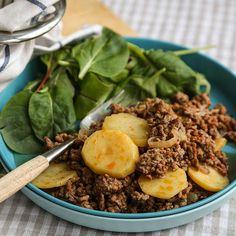 Arabisk gryte har alt! Den er billig, rask, enkel, allergivennlig, lages av kun 7 ingredienser og faller i smak hos nesten alle.