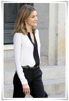 Princesa Letizia in interesting blouse