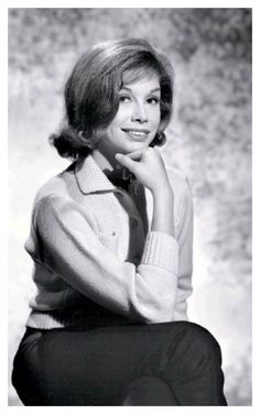 Vintage Movie Stars, Vintage Movies, Laura Petrie, Flipped Hair, 30 Day Abs, Mary Tyler Moore, Young Old, Horror Show, Hair Flip