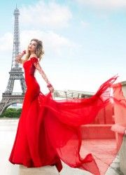 Light up the night with glamorous Tarik Ediz gowns. Designer Prom Dresses and Exclusive Evening Gowns are synonymous with opulence & allure Robes Glamour, Costumes For Sale, My Perfect Wedding, Evening Dresses, Formal Dresses, Designer Prom Dresses, I Dress, Ball Gowns, Bridal