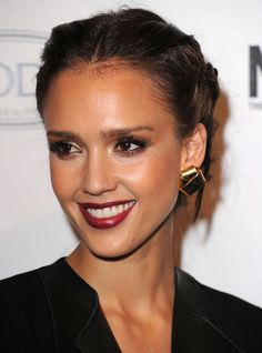 Cool 11 Hot Looking Jessica Alba Pics http://www.designsnext.com/11-hot-looking-jessica-alba-pics.html