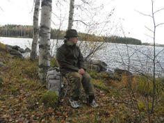vuoden luontokuvat: Retki tekee hyvä Military Jacket, Camping, Backpacks, Bags, Campsite, Handbags, Field Jacket, Military Jackets, Backpack
