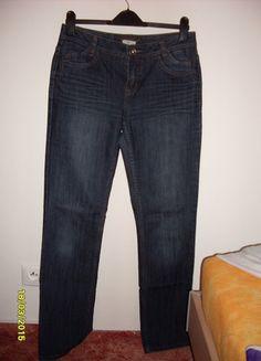 Dj, Pants, Fashion, Trouser Pants, Moda, Fashion Styles, Women's Pants, Women Pants, Fashion Illustrations