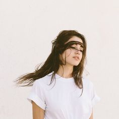 6 Damaging Hair Habits to Break Now –The Klog Character Aesthetic, Aesthetic Photo, Emma Carstairs, Tessa Gray, Girl With Brown Hair, The Dark Artifices, Brown Aesthetic, Twist Hairstyles, Dark Hair