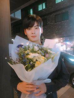 Likes, Comments - ChaEunwoo Asian Actors, Korean Actors, Korean Idols, Cha Eunwoo Astro, Lee Dong Min, Cute Asian Guys, Lee Soo, Kdrama Actors, Flower Boys