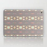 LAZOS DE AMOR Laptop & iPad Skin