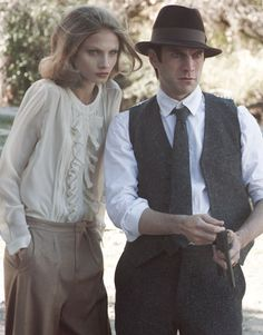 Anna Selezneva pairs up with actor Wes Bentley for Peter Lindbergh's re-imagining of the infamous Bonnie and Clyde. Photographed for the March issue of American… Bonnie And Clyde Movie, Bonnie Parker, Bonnie Clyde, Chloe Fashion, Fashion Shoot, Editorial Fashion, Peter Lindbergh, Anna Selezneva, Faye Dunaway