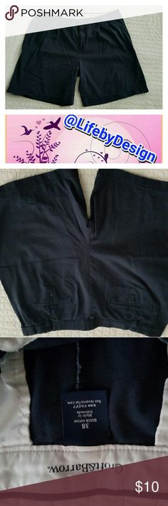 Men's Croft & Barrow Pleated Front Shorts Navy 38 Men's Croft & Barrow Pleated Front Shorts Navy   Size 38.  Gently worn. No tears, stains or worn areas. Button present. Zipper works. All belt loops intact.        (L) croft & barrow Shorts Hybrids