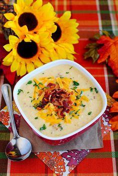 Gluten-Free Bacon-Cheddar Cauliflower Chowder is a lower-carb alternative to Baked Potato Soup! #glutenfree | iowagirleats.com