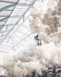 «⠀ Last day of the Charles Pétillon 'Heartbeat' installation at Covent Garden | Art is subjective, that's what I admire most about creativity | Like a sky…»