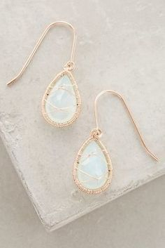GORGEOUS! looks like rose gold and moonstone or opal? so pretty