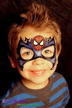 Wat een originele Spiderman. Spider-Man mask by Elisa Griffith.