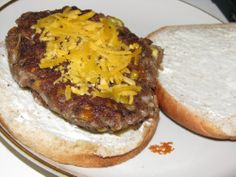 Veggie burger (cropped)