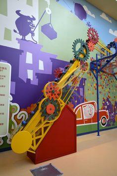 Lao Niu Children's Discovery Center - Ball Conveyor