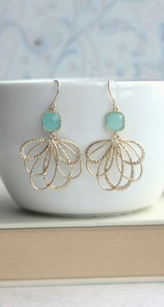 Mint Feather Gold Earrings. Mint and Gold Wedding. Gold Feathers, Mint Opal Green Glass Drop Earring, Bridesmaid Gift. Green Wedding By Marolsha.