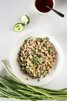 Laotian Chicken Salad (Lao Larb Gai) - A fresh, zesty salad filled with all that good South East Asian flavour! A simple recipe you can whip up in minutes.| wandercooks.com