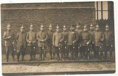 Foto AK - Gruppe Militärbeamte mit Pickelhaube - 1.WK