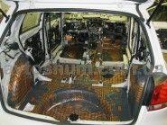 ШУМОИЗОЛЯЦИЯ VOLKSWAGEN GOLF 6 багажник http://avtoshum.com.ua/gallery/shumoizolyaciya-vw-golf/ Полная шумоизоляция, включая багажник, пол, арки, потолок, торпеду Volkswagen Golf hatchback (VI поколение). #шумоизоляция #авто #автошум #vw #golf6 #гольф #фольцваген #avtoshum #багажник