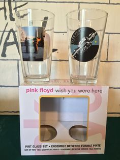 Redz 🤘🏻 Pink Floyd Wish You Were Here - Pint Glass Set, front view Pink Floyd Merchandise, Wish You Are Here, Pint Glass, Drinkware, Beer Glassware