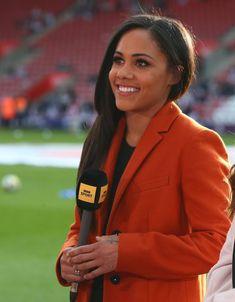Sports Presenters, Arsenal Ladies, Alex Scott, Tv Girls, Football Players, Dream Life, Sports Women, Beautiful People, Celebs