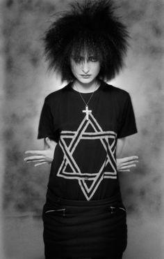 Siouxsie being gorgeous (photo: Simon Fowler)