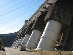 """""""Represa de Itaipu"""". Usina Hidrelétrica de Itaipu. # Binacional, Brasil / Paraguai."""