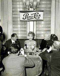 theclutteredclassicattic: The best Pepsi related photo I've seen of Joan Crawford in a long time! ~ At a press confernece in Italy, Hollywood Cinema, Old Hollywood Movies, Hooray For Hollywood, Golden Age Of Hollywood, Vintage Hollywood, Hollywood Stars, Classic Hollywood, Hollywood Glamour, Bette Davis