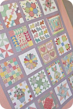 This family has an annual Family Quilting Retreat. How fun is that? Sampler Quilts, Scrappy Quilts, Baby Quilts, Baby Quilt Patterns, Quilting Patterns, Houston Quilt Show, Sewing Appliques, Gingerbread Houses, Homemade Crafts
