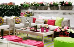 outdoor floor rugs with striped for outdoor home decorating.  I love those cushions!