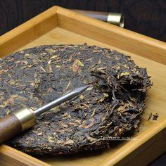 Pu-erh Tea Needle is a necessary tool for brewing pu-erh tea, can be used to break all kinds of compressed tea, including Anhua Black Tea, puerh cakes or Tuocha Asian Tea, Fermented Tea, Best Green Tea, Pu Erh Tea, Tea Culture, Tea Art, Chinese Tea, Brewing Tea, Tea Cakes