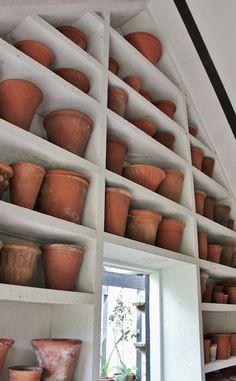 Henhurst Interiors: Gardens