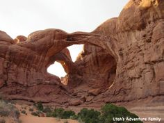 The hike to Broken Arch is flat and easy, and the arch can be seen from Sand Dune Arch trail. This arch is impressive when you get up close, and you can continue the trail right under Broken Arch over to Tapestry Arch. Out and back to Broken Arch is 2.0 miles roundtrip.