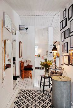 my scandinavian home: A cosy Swedish cottage ready for Christmas Home Interior, Interior Decorating, Decorating Ideas, Swedish Cottage, Home And Deco, Scandinavian Home, Home Fashion, Interiores Design, My Dream Home