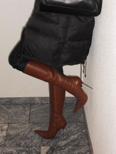 Rosina in thigh high boots going to restaurant Leather High Heel Boots, Thigh High Boots, Heeled Boots, Tights And Heels, Jeans And Boots, Stiletto Boots, Sexy Boots, Luxury Shoes, Fashion Boots
