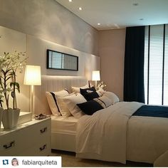 #Repost @fabiarquiteta with @repostapp.  Boa noite  Quarto l Destaque para o painel  cabeceira estofada e toque marinho neste decor off-white amei! Projeto @pradozogbitobar #bedroom #suite #homedecor #luxurydecor #amazing #decor #offwhite #goodnight #boanoite #glam #instagram #instamood #decoracao #arquitetura #photo #decoration #home #instahome #lifestyle #furniture #instabest #instablog #blogger #arquiteta #blogfabiarquiteta #fabiarquiteta  http://ift.tt/1hQOncn by drikaverao