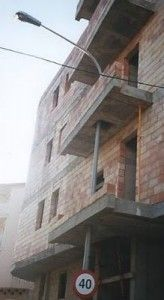 """These home renovation fails are so bad that you'll be wondering how some of these so-called """"handymen"""" actually have jobs. Get ready for a laugh-out-loud collection of the worst home renovation fails. Architecture Fails, Architecture Design, Building Fails, Construction Fails, Design Fails, You Had One Job, Picture Fails, Strange Photos, Weird Pictures"""